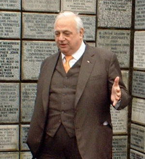 English: Roy Hudd on his visit to the Downs Cr...