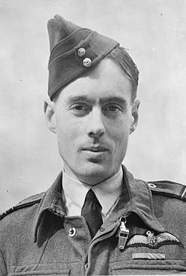 Group Captain Leonard Cheshire cca 1943