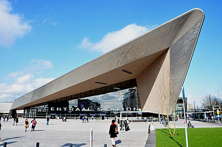 Rotterdam's new Central Station reopened in March 2014, designed to handle up to 320,000 passengers daily. Rtd CS-III.JPG