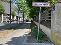 Rue Jacquard (Vaulx-en-Velin) - Panneau d'entrée dans la ville.jpg