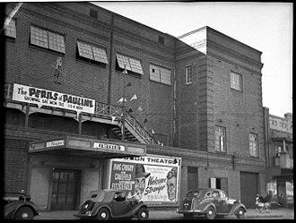 The Perils of Pauline (1947 film) - Billboard for the film during its initial run in Sydney, Australia