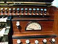 Salemer Münster Orgel Spieltisch rechts.jpg