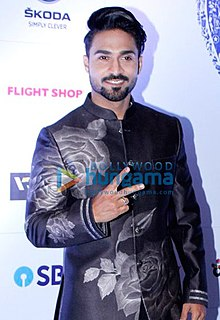 Salman Yusuff Khan at an award event in 2017.jpg