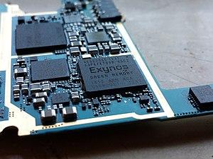 Exynos - An Exynos 4 Quad (4412), on the circuit board of a Samsung Galaxy S III smartphone