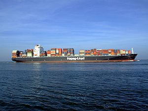Savannah Express p9 approaching Port of Rotterdam, Holland 18-Jan-2005.jpg
