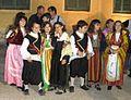 Schüler in Trachte am Palati C.jpg
