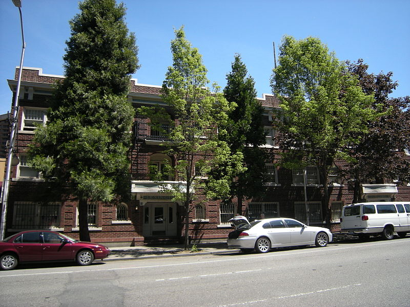 File:Seattle - Lexington-Concord Apartments 02.jpg