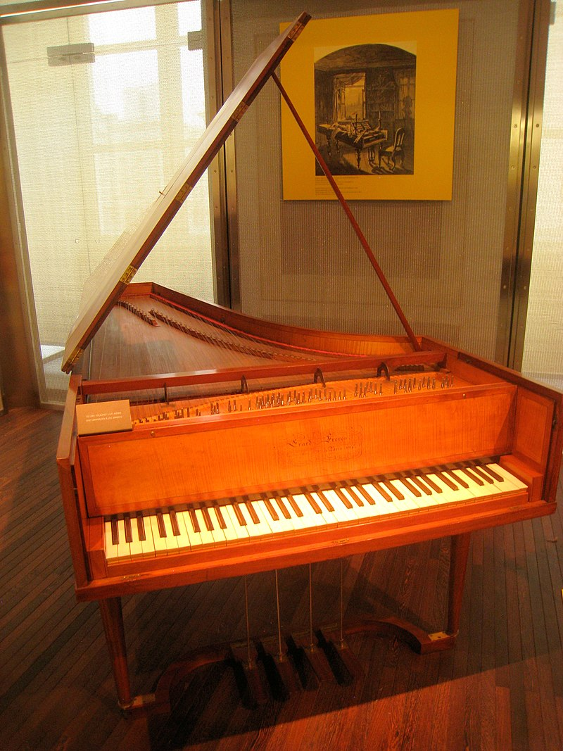 https://upload.wikimedia.org/wikipedia/commons/thumb/c/cc/Sebastien_Erard%2C_Paris%2C_1805_-_Musical_Instrument_Museum%2C_Brussels_-_IMG_3840.JPG/800px-Sebastien_Erard%2C_Paris%2C_1805_-_Musical_Instrument_Museum%2C_Brussels_-_IMG_3840.JPG