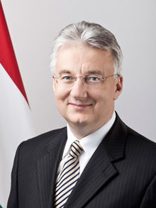 Portrait officiel de Zsolt Semjén.