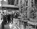 Shell-laboratorium 50 jaar te Amsterdam, dr H van Driel (directeur) tijdens ro, Bestanddeelnr 916-0871.jpg