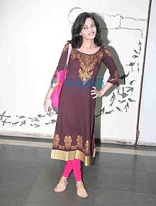 Sneha Ullal graces Daisy Shah's debut play Begum Jaan.jpg
