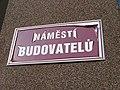 Sokolov, náměstí Budovatelů, název.jpg
