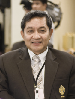 Sonthi Boonyaratglin (cropped).png