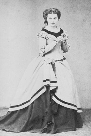Sophie Stehle - Sophie Stehle as Marguerite in Faust