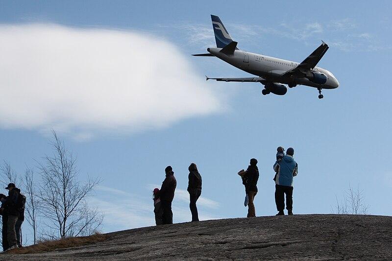 File:Spotting OH-LVB Airbus A319-112 IM6701 C.JPG