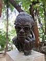 Statue at the faculty of fine art, Dhaka University (1).jpg