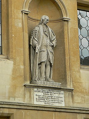 Bedford School - The statue of William Harpur on the facade of the old school buildings of Bedford School in St Paul's Square