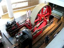 Ficheiro:Steam engine in Science Museum Power gallery.ogv