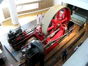 Fitxategi:Steam engine in Science Museum Power gallery.ogv