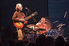 Steve Howe and Carl Palmer 7069.jpg