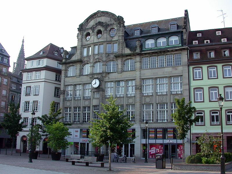File strasbourg magasin place kl wikimedia commons - Magasin but strasbourg ...