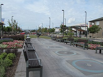 Richmond, New Zealand - Image: Sundial Square, Richmond, New Zealand