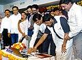 Suresh Prabhakar Prabhu launching and inaugurating the Wi–Fi facility, 2 new 12 coach platforms for Harbour, 2 lifts at Andheri Station, 12 car EMU service.jpg