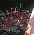 Surinaamse onafhankelijkheid feestende Surinamers op vrachtauto, Bestanddeelnr 254-9799.jpg