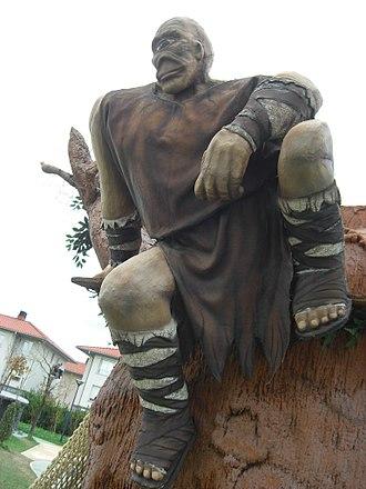 Tartalo - Tartalo, in the Izenaduba Basoa amusement park in Mungia (Biscay).