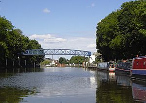 Teddington Lock Footbridges - The eastern girder bridge