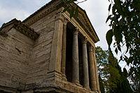Tempietto del clitunno 2.jpg