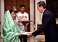 The Ambassador of Cuba to India, Mr. Miguel Angel Ramirez Ramos presented his credentials to the President, Smt. Pratibha Devisingh Patil at Rashtrapati Bhavan in New Delhi on September 26, 2007.jpg