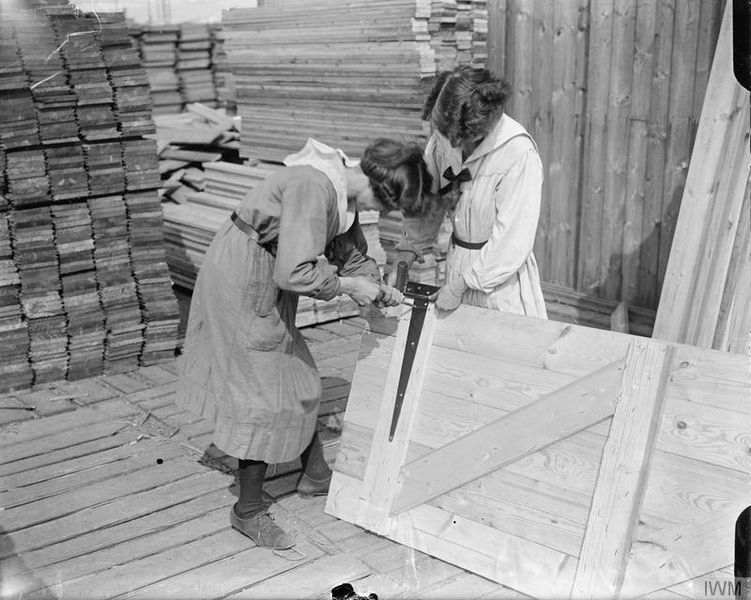 File:The Employment of Women on the Western Front, 1914-1918 Q6757.jpg