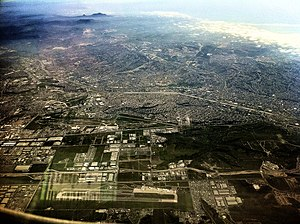 Tijuana International Airport - The airport from 10,000 feet (center of image, Brown Field runway in the United States at bottom)