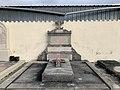 Tombe de la famille Bonnet-Laprade-Perret (Ambérieu).jpg