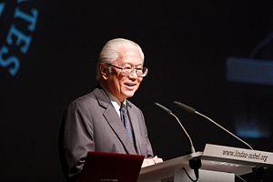 "Tony Tan - Tan opening the ""International Evening"" at the 2012 Lindau Nobel Laureate Meeting"