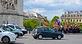 Traffic doesn't halt for the wreath on Eternal Flame, Paris 25 May 2014.jpg