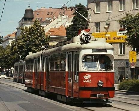 Tram (exterior view) (Wieden, Vienna - 2002)
