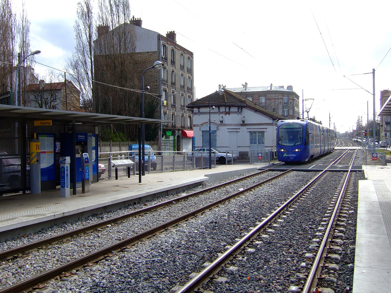 Matmut Pavillons Sous Bois - File Tram station, Les Pavillons sous Bois fr 01 jpg Wikimedia Commons