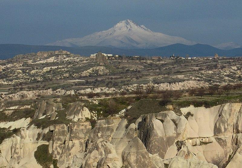 800px-Turkey.Mount_Erciyes01.jpg