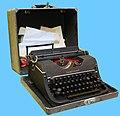 Typewriter Underwood 1945.jpg