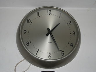 Gents' of Leicester - A typical 240-volt electric wall clock produced by Gents' of Leicester, dating to approx. the late 1960s