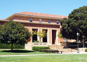 English: The south entrance to the UCLA School...
