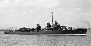 USS Dortch (DD-670) underway, in 1943 (19-N-49104)