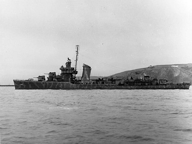 640px-USS_Hughes_%28DD-410%29_off_the_Mare_Island_Naval_Shipyard%2C_California_%28USA%29%2C_on_1_August_1942_%28NH_97915%29.jpg