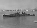 USS Oakland (CL-95) in San Francisco Bay on 2 August 1943 (NH 98442).jpg