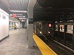 Uptown 1 train entering the WTC-Cortlandt St IRT subway station.jpg