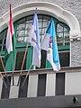 Városháza, erkély és zászlók, 2019 Kiskunhalas.jpg
