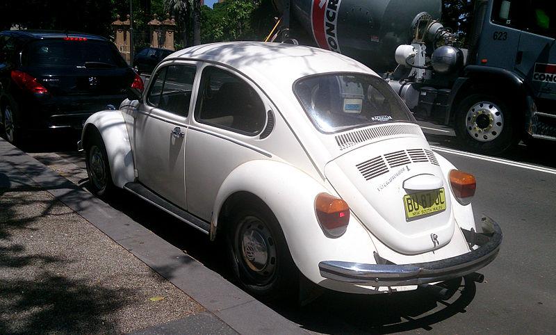 File:VW Beetle L (11946120454).jpg