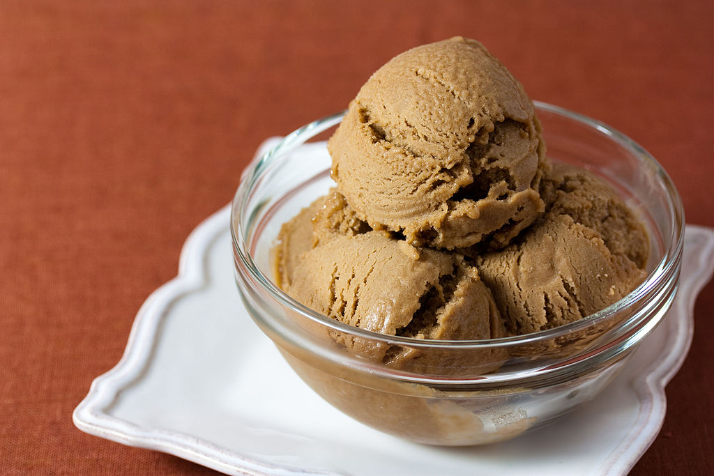 Vegan Hazelnut Coffee Ice Cream (5013027435)